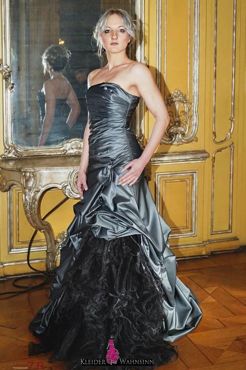 Gothic Kleider, Gothic Brautkleid, Brautkleid farbig, Brautkleid schwarz, Farbige Brautkleider, Schwarze Brautkleider, Hochzeitskleid schwarz, Black Dress, Brautmode in schwarz